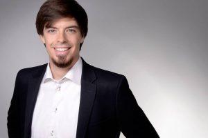 Tobias Hagenau ist Mitgründer von HQLabs und in der Geschäftsführung für die Bereiche Marketing & Sales zuständig