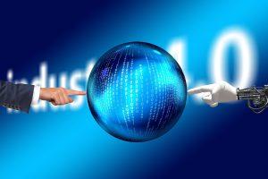 Wie Künstliche Intelligenz und Industrie 4.0 Mitarbeiter unterstützen statt ersetzen